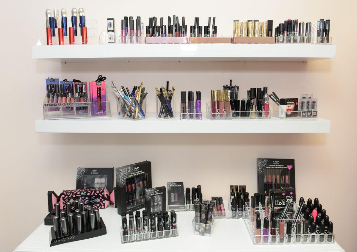Em dia de comemoração, mulheres ganham atenção especial do atelier Distore Make Up