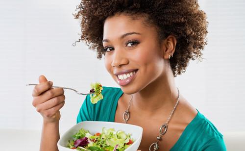 O que deve fazer sempre à refeição para ser saudável e controlar o peso
