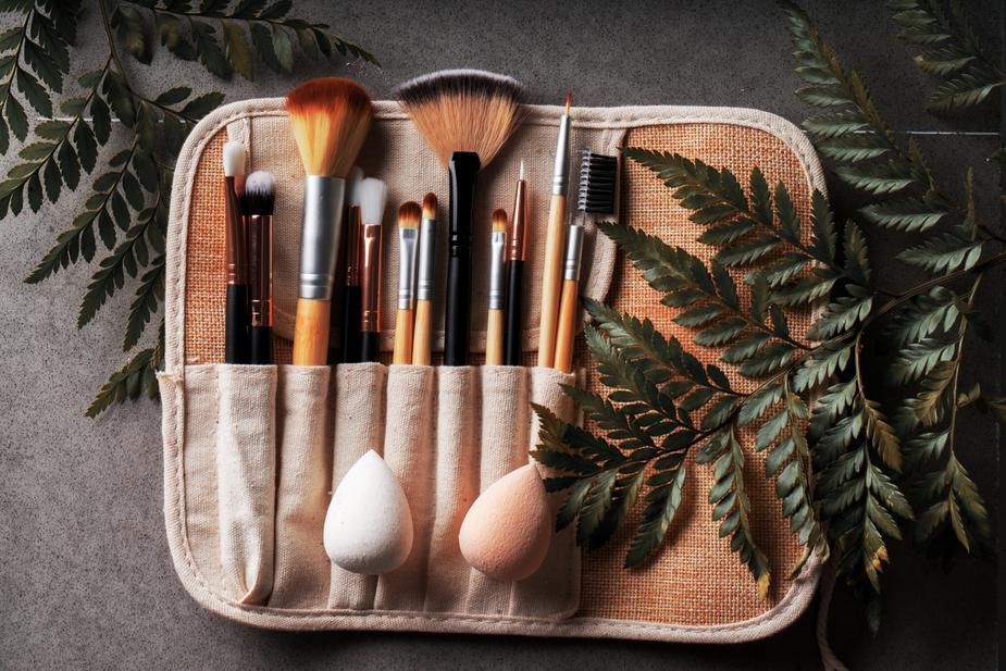 Make Up: Esta é a forma correcta para lavar as suas esponjas e pincéis