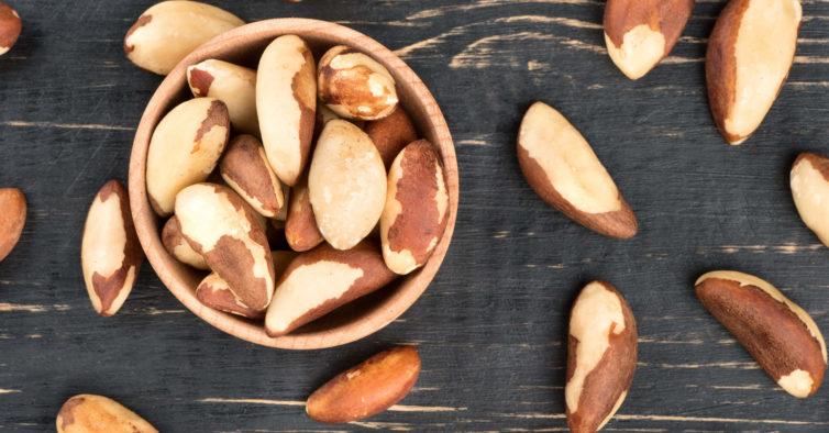 Comer este fruto seco 3 vezes por dia pode ajudá-la a emagrecer