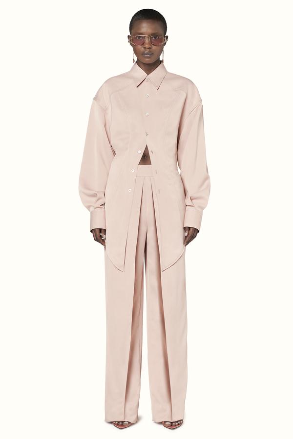 Primeira coleção de moda Fenty: luxuosa e inclusiva. Um verdadeiro sucesso!