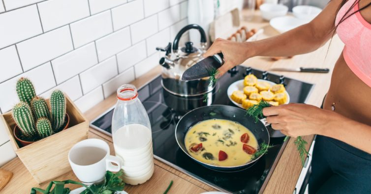 5 truques que facilitam sempre a sua vida na cozinha (e ajudam a perder peso)
