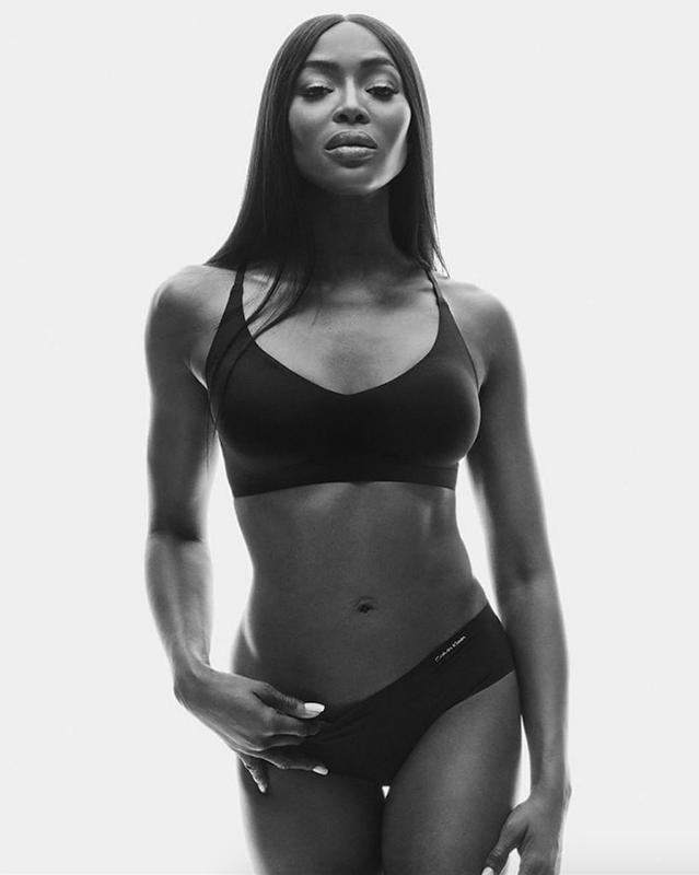 Aos 49 anos, Naomi Campbell protagoniza uma campanha de roupa interior