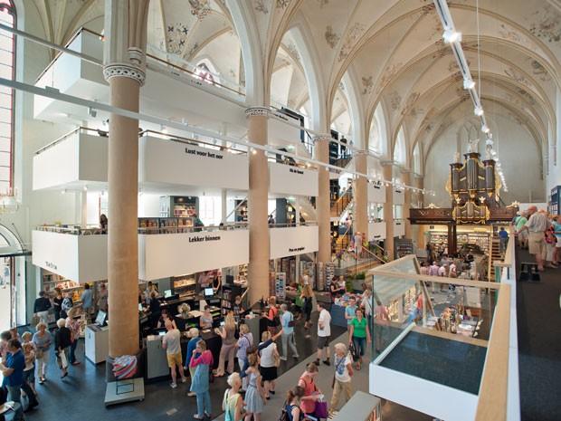 Igrejas na Holanda viram cafés, museus e até bares
