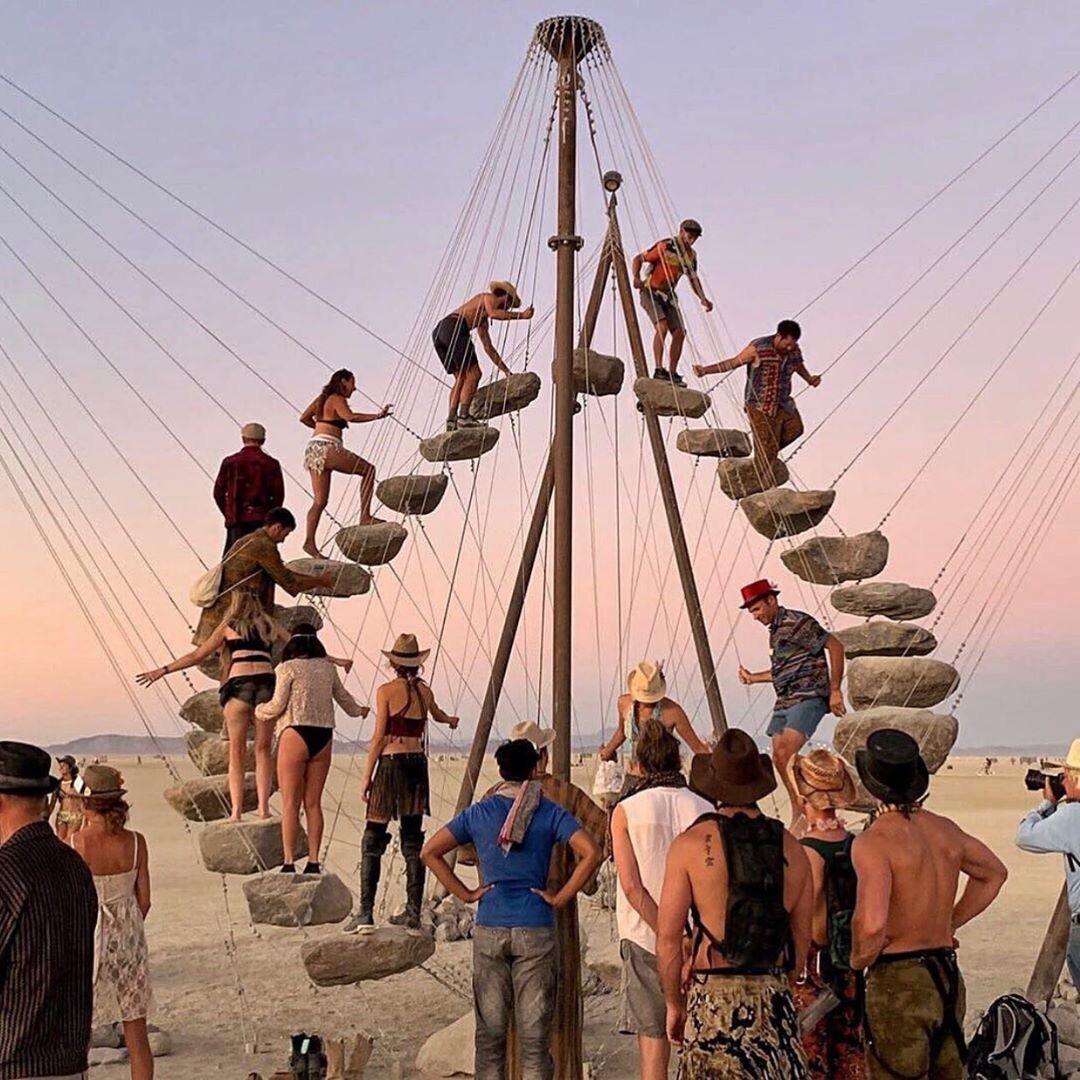 """As construções surreais do """"Burning Man Project"""" 2019"""