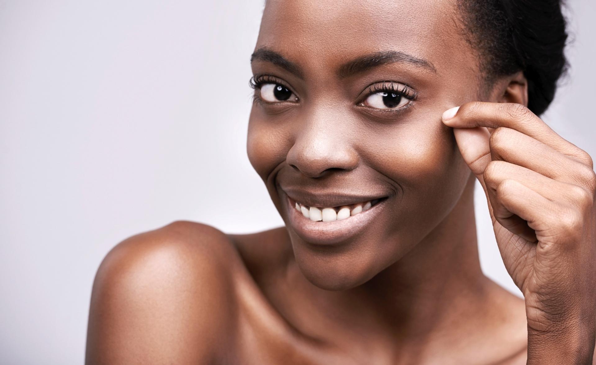 Saiba como escolher o melhor protetor solar para a pele oleosa