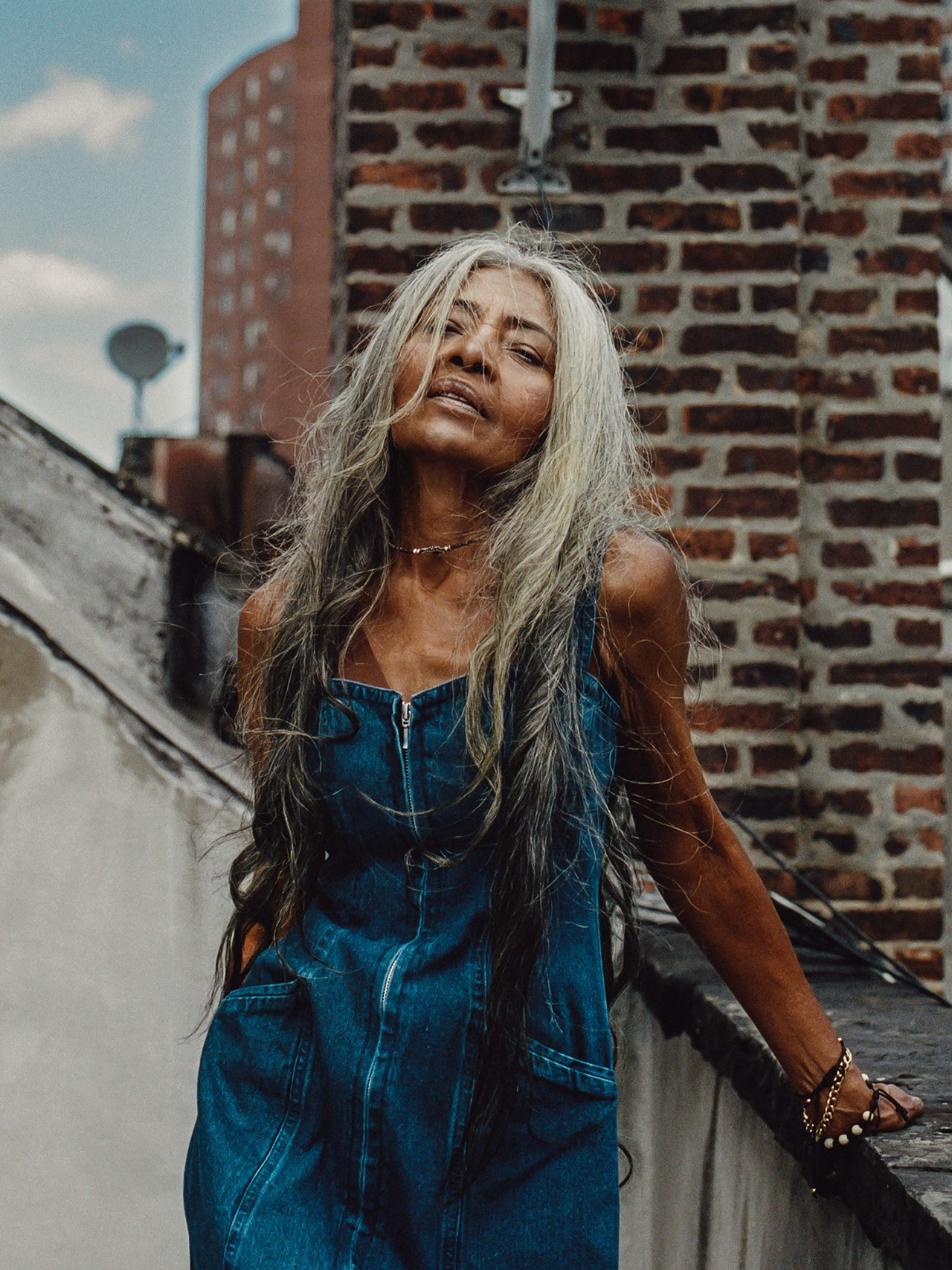 Conhece JoAni Jonhson, a modelo com 67 anos