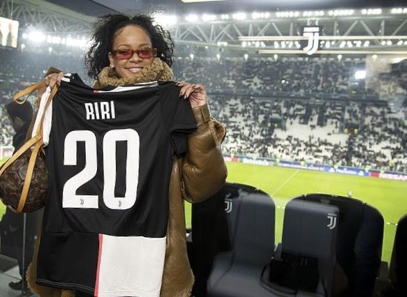 Rihanna pela Juventus