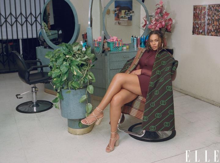 Beyoncé é a nova capa da edição de Janeiro 2020 para a revista ELLE.
