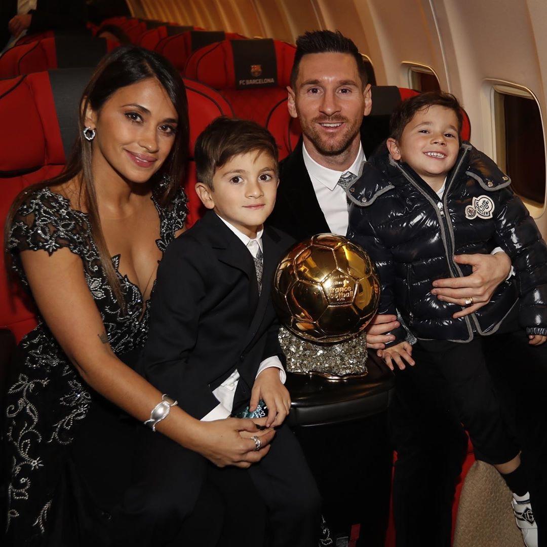 Lionel Messi leva para casa o sexto Ballon D'Or