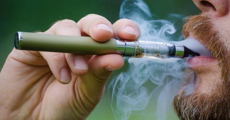 EUA avançam com proibição parcial de cigarros electrónicos aromatizados