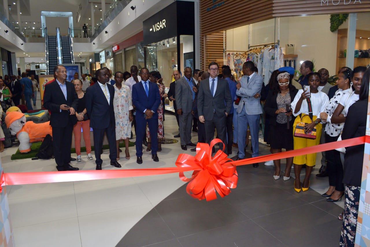"Já abriu a 1ª ""Department Store"" de Angola"