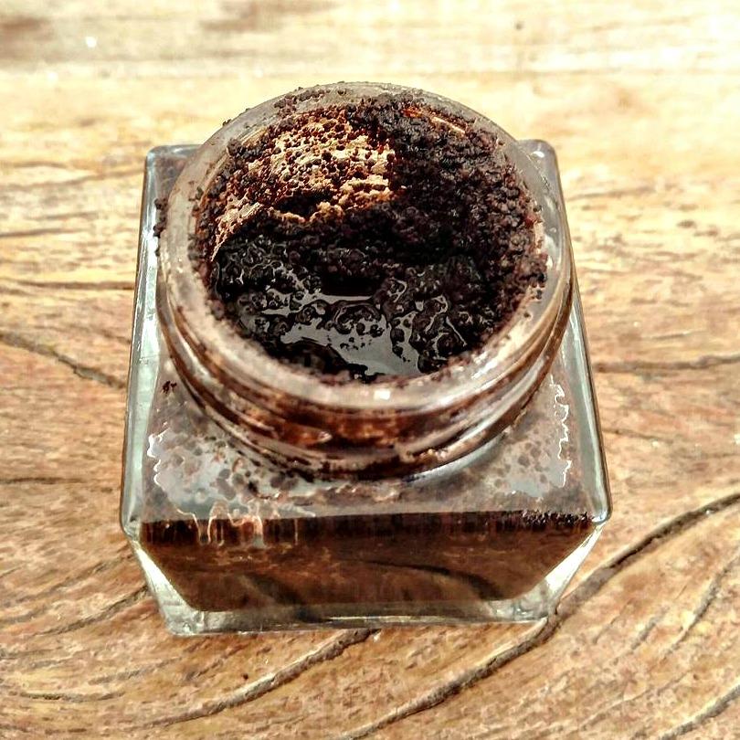 Como esfoliar a pele com café