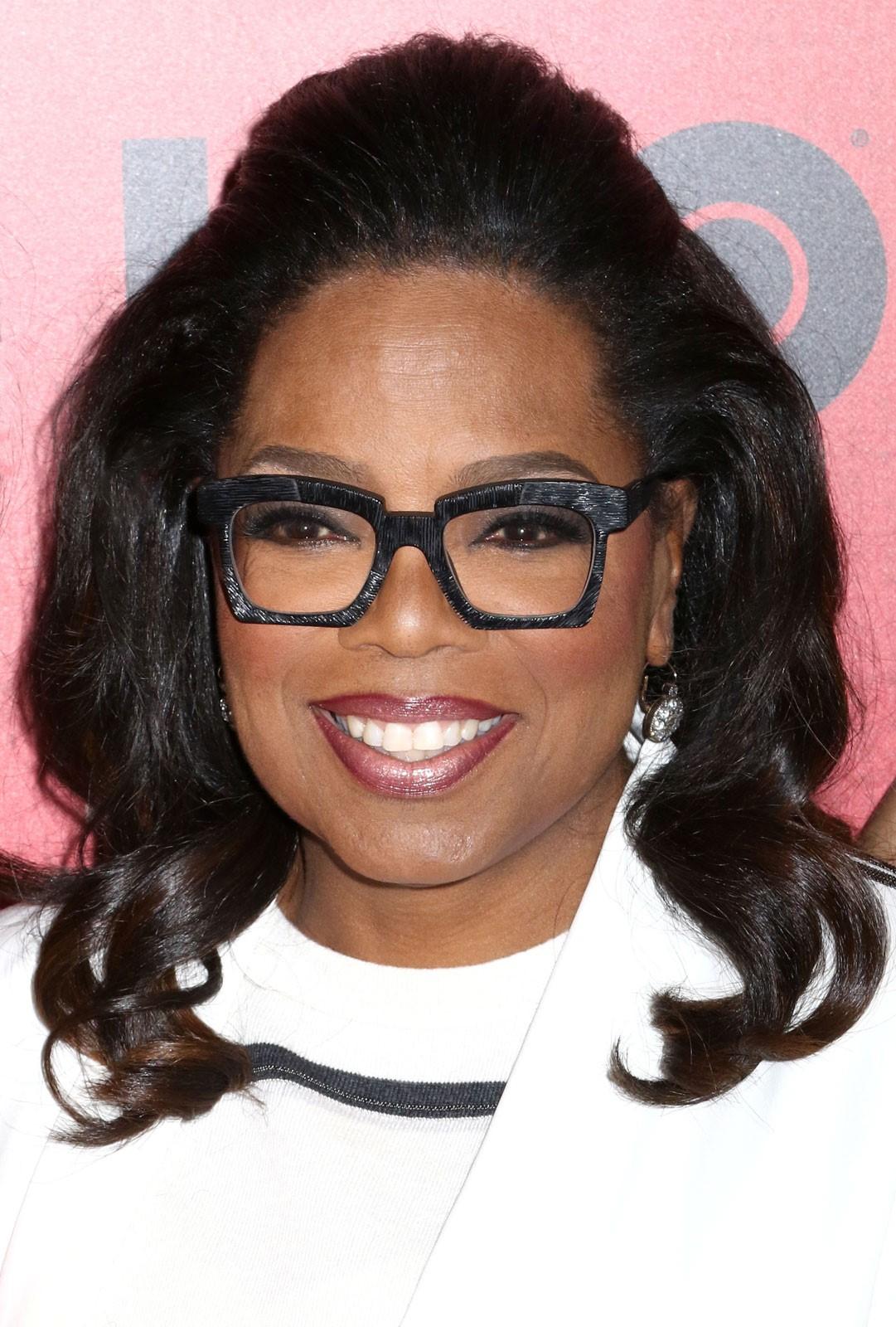 Oprah Winfrey doa mais de dez milhões de dólares para ajudar no combate da pandemia.