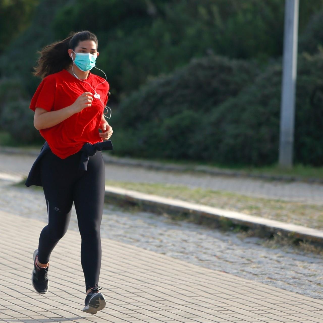 Exercícios com máscara protetora provoca doenças