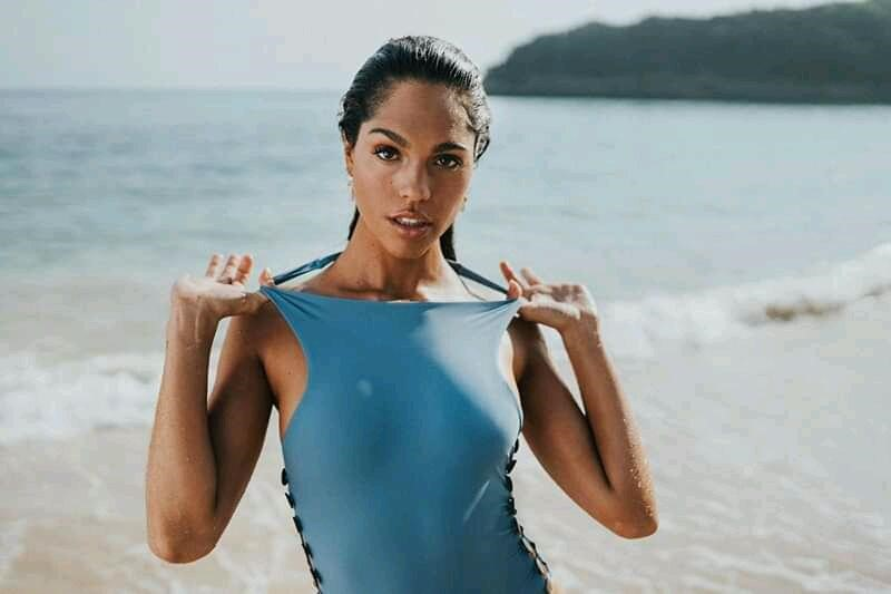 Voke Swimwear apresenta colecção com plásticos deixados nos oceanos