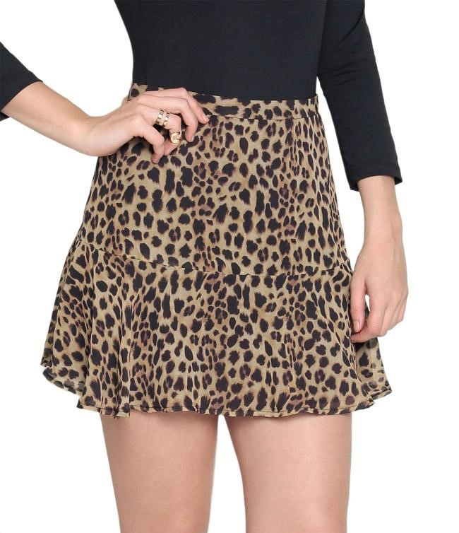 Mini-saia é apontada como  a maior tendência de moda da história
