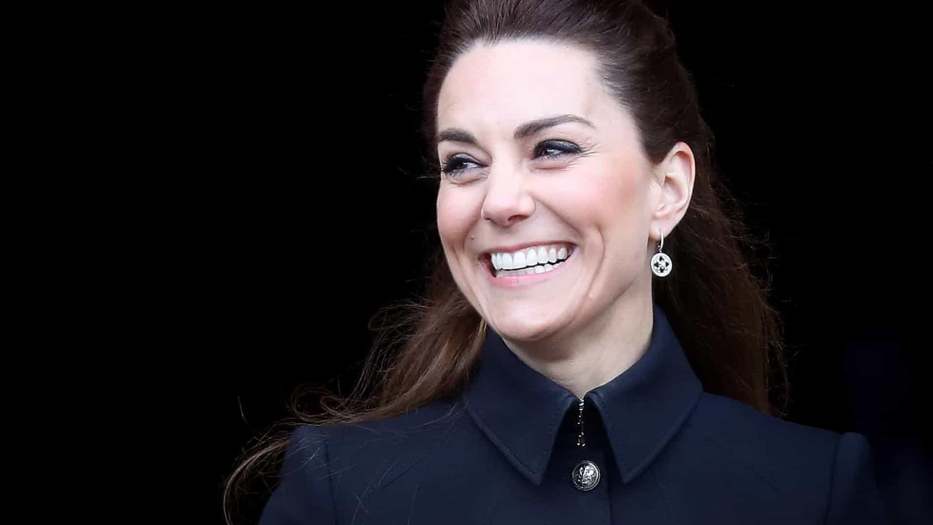 Kate Middleton dá aulas especiais a alunos