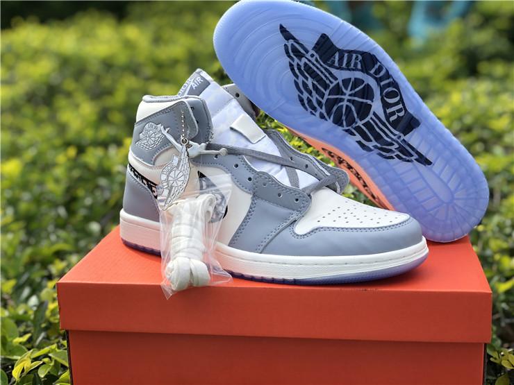 Travis Scott brilha na nova colaboração de Dior x Air Jordan 1