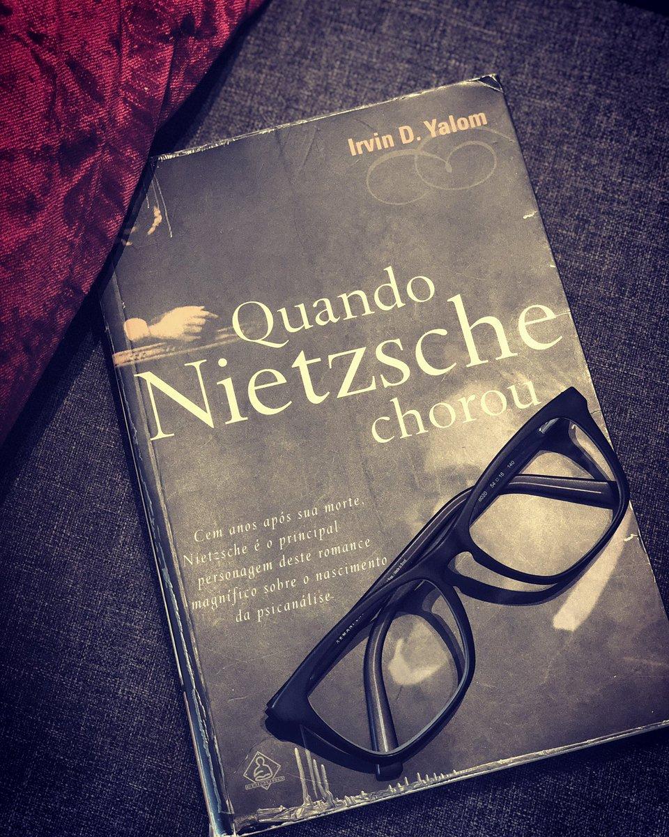 """Sugestão de livro: """"Quando Nietzsche Chorou"""""""