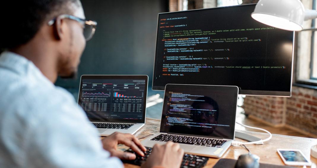 Dia Mundial do Programador: Mercado tecnológico terá novos softwares nacionais em 2021