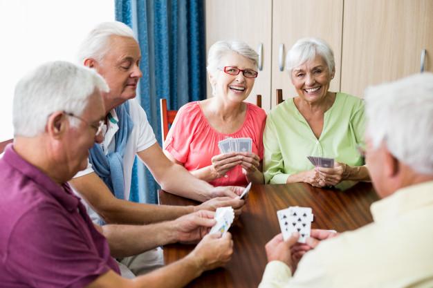 Perder a capacidade de tomar decisões, dificuldades em vestir-se e em gerir orçamentos entre os sintomas de Alzheimer
