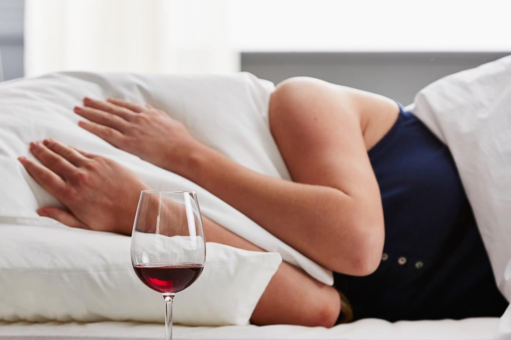 Sabe quais são os efeitos do álcool na sua pele? Não sabe? Então venha ler!