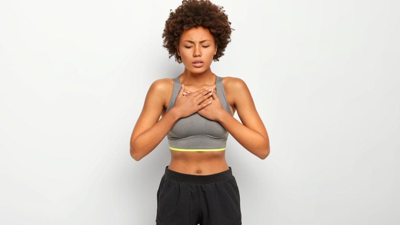 Elevação de braços, cruzar as mãos e puxar o ar melhoram a condição respiratória e pulmonar
