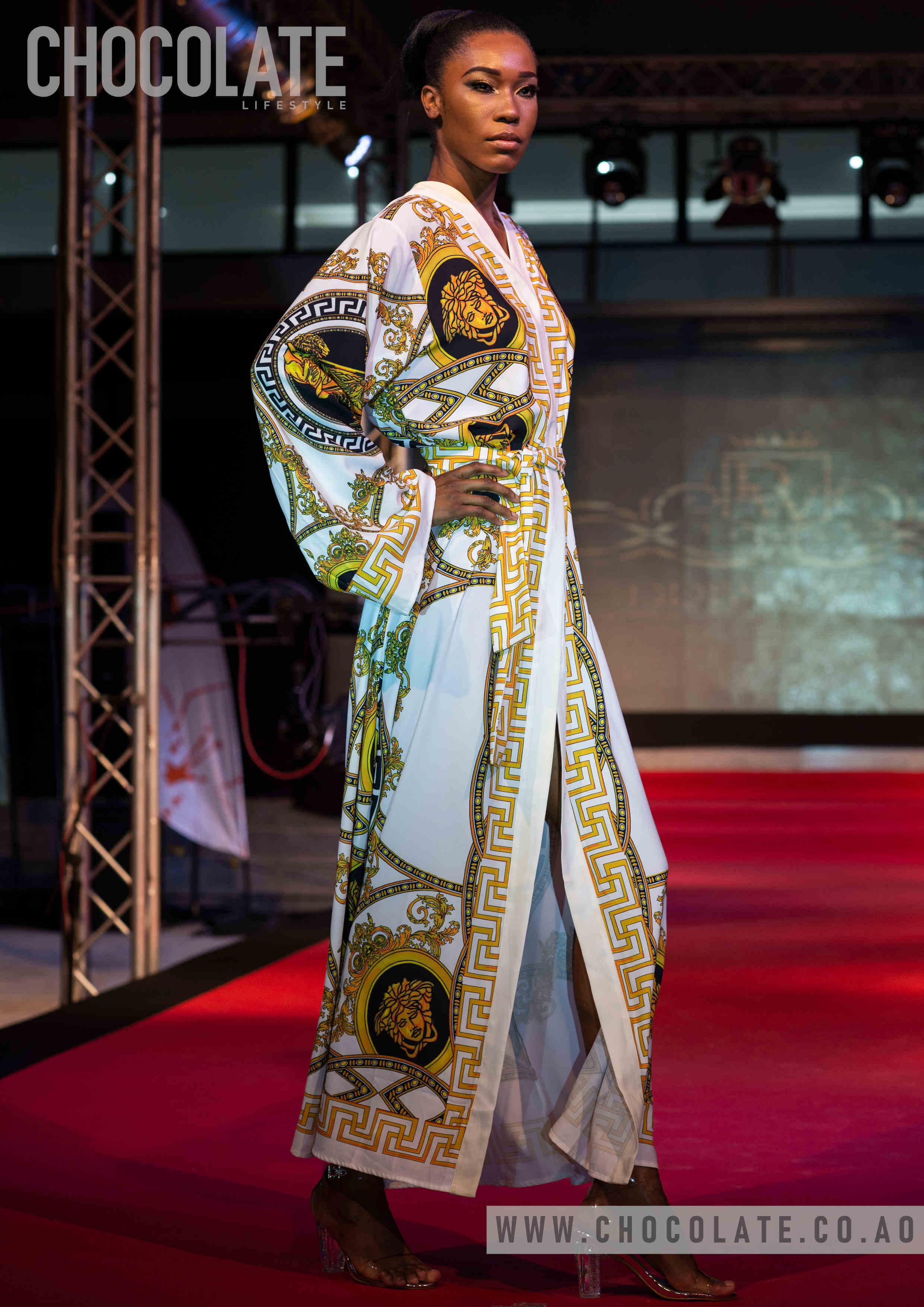 "Huíla Fashion: ""Fashion For Live"" desfile Dress Well"