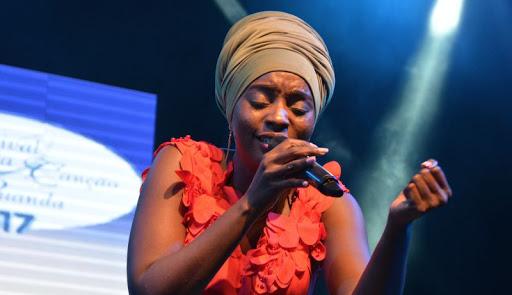Anabela Aya: a voz dos mares bravios