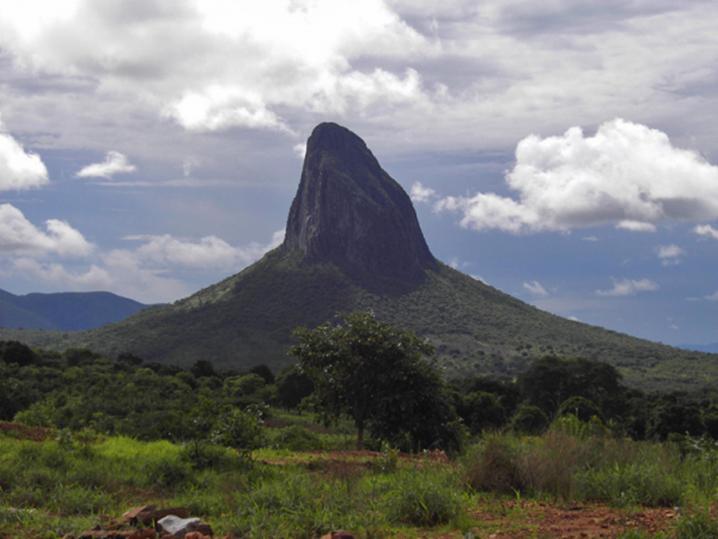Morro do Moco, lenda entre as 7 Maravilhas de Angola