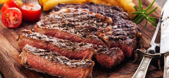 Carne assada com almeirão