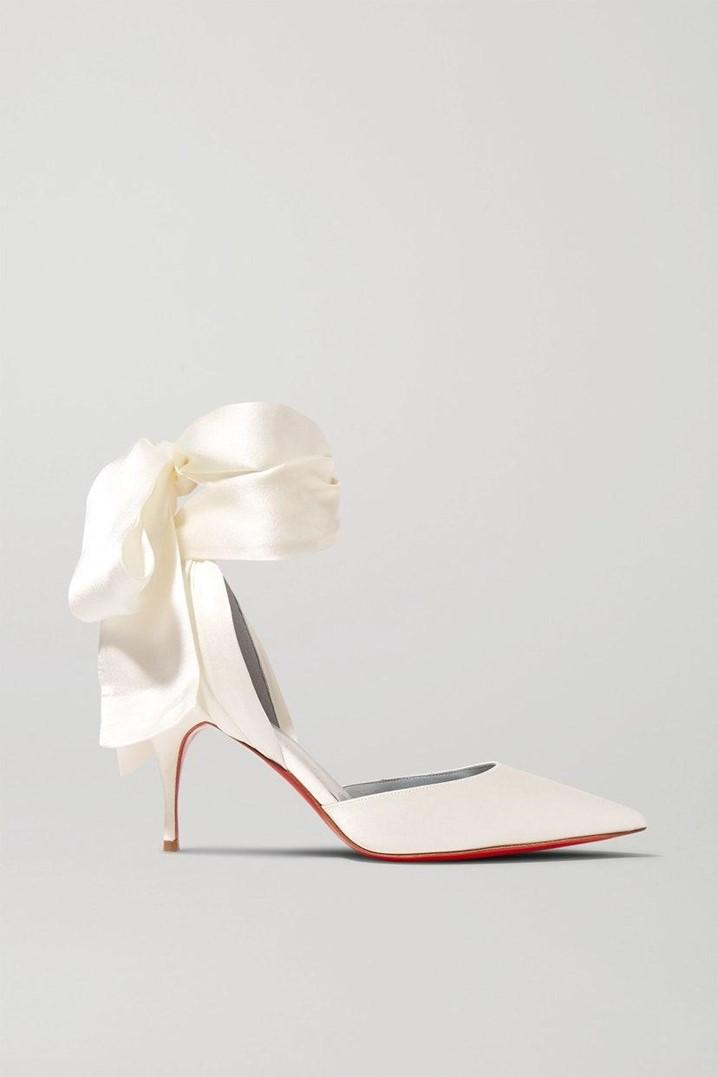 10 sapatos de noiva com jóias, brilhos e Plumas, perfeitos para qualquer noiva