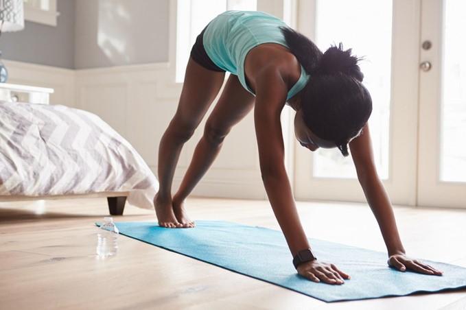 Em casa: Saiba 4 dicas para fazer exercícios físicos dentro do seu apartamento