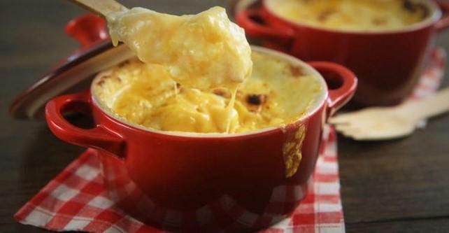 Sugestão do Cheff António Pereira Dias: gratinado de batata e abobrinha, queijo ralado e presunto crocante