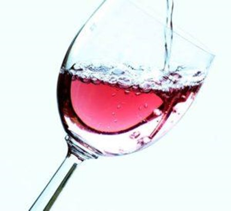 É iniciante no mundo dos vinhos? Saiba como e onde começar a saborear