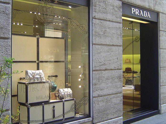 Prada: Um sinónimo de luxo e sofisticação