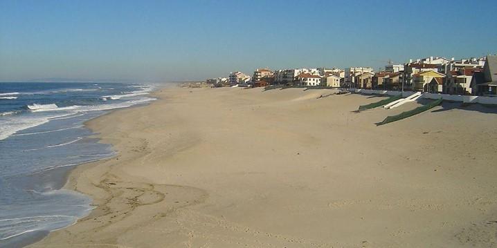 Na praia: veja as coisas que não deve fazer por lá