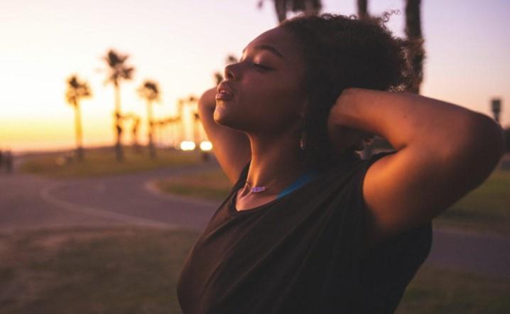 Se sofre de ansiedade, exercícios de respiração podem ajudar