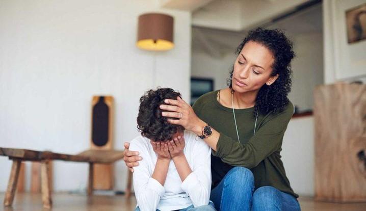 Fique em alerta: se o seu filho sofre de pressão alta, saiba os sintomas e como prevenir