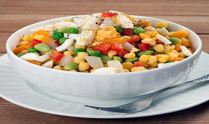 Que tal uma salada com milho?