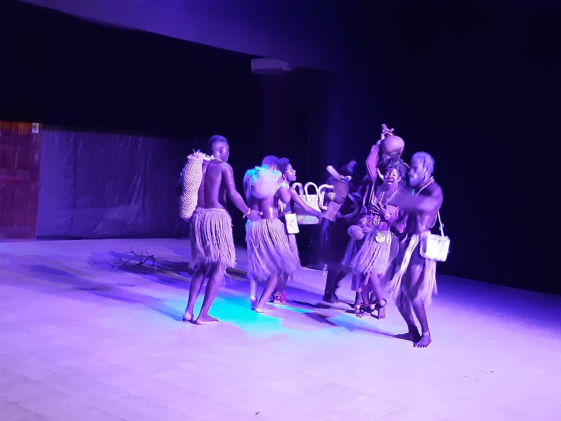 """Teatro musical Galáxia em saudação ao dia """"Mundial do Teatro 27 de Março"""""""