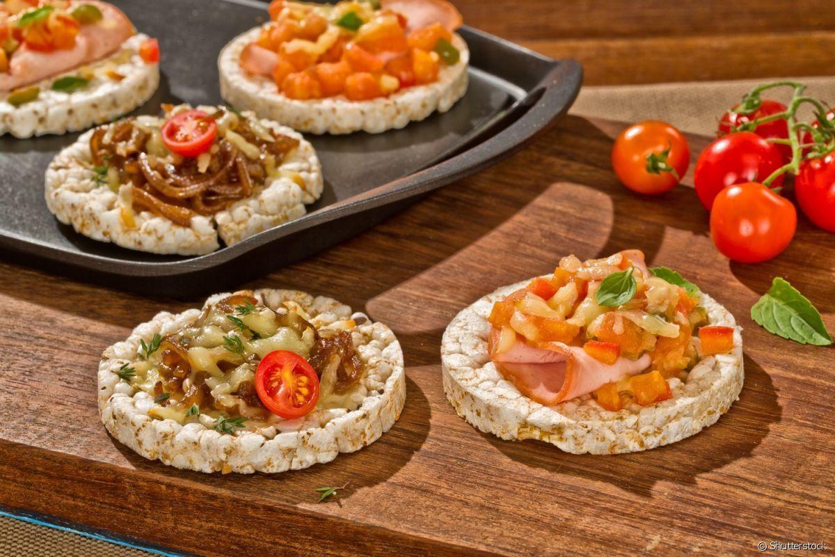 Aperitivo de atum e queijo com bolacha de arroz integral