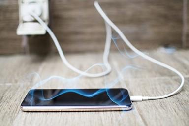 Dicas para carregar o telefone de forma mais eficiente