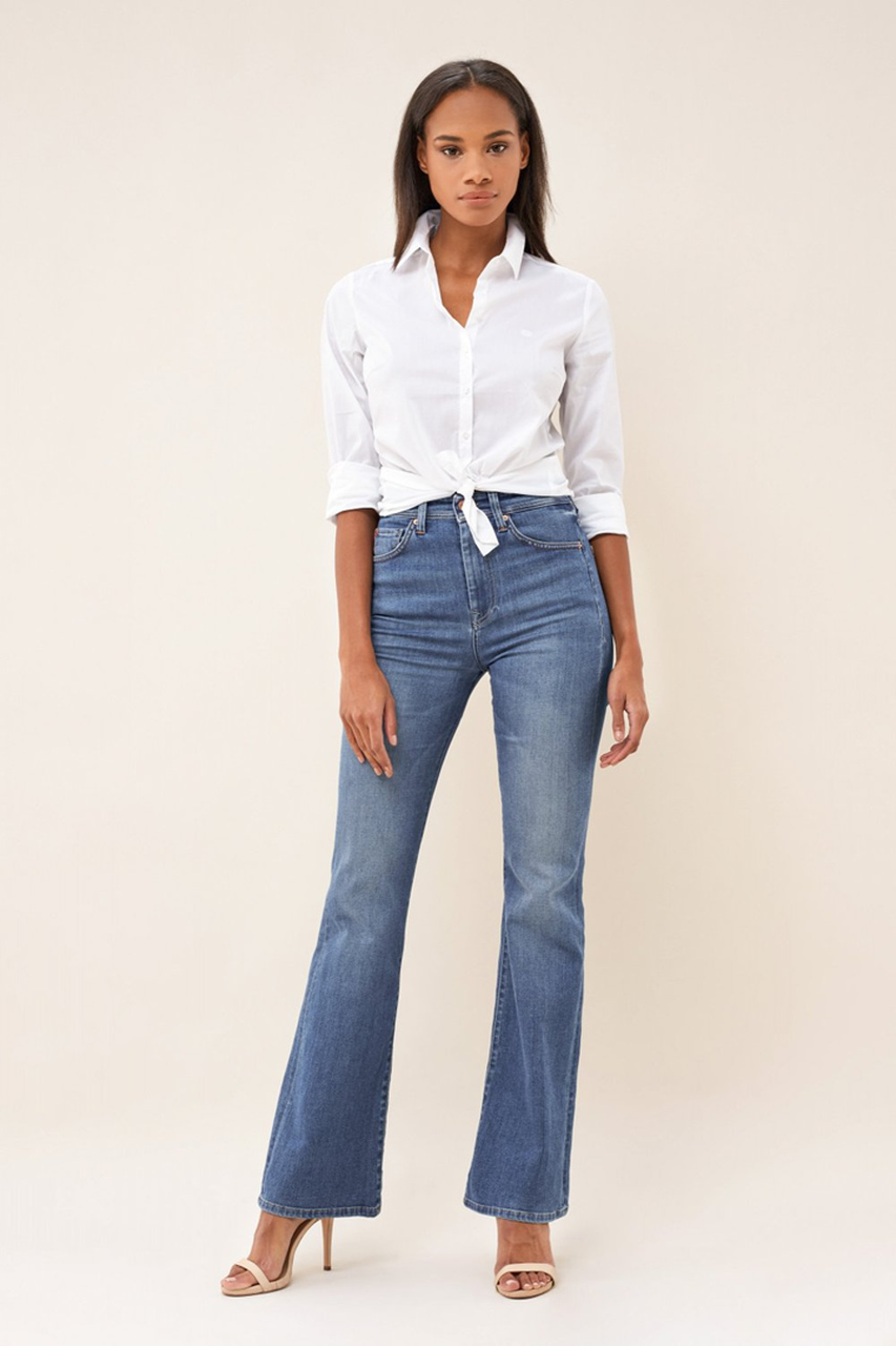 Calças jeans flare: estilo e requinte