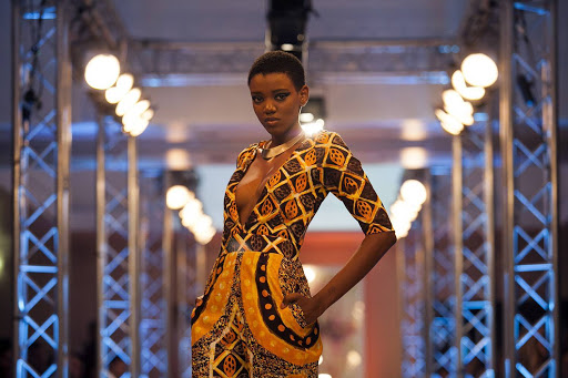 Estilos de roupas femininas africanas adequadas ao Verão 2021