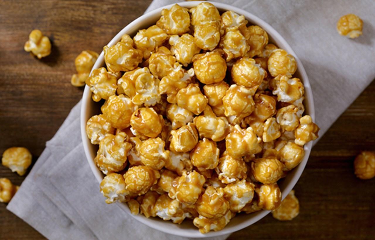 Para fazer em casa: pipocas caramelizadas