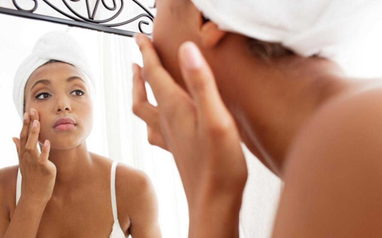 Dicas para amenizar manchas na pele de forma natural