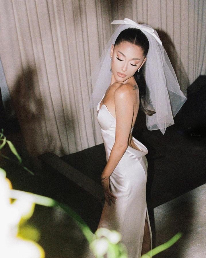 Ariana Grande: casa-se em segredo