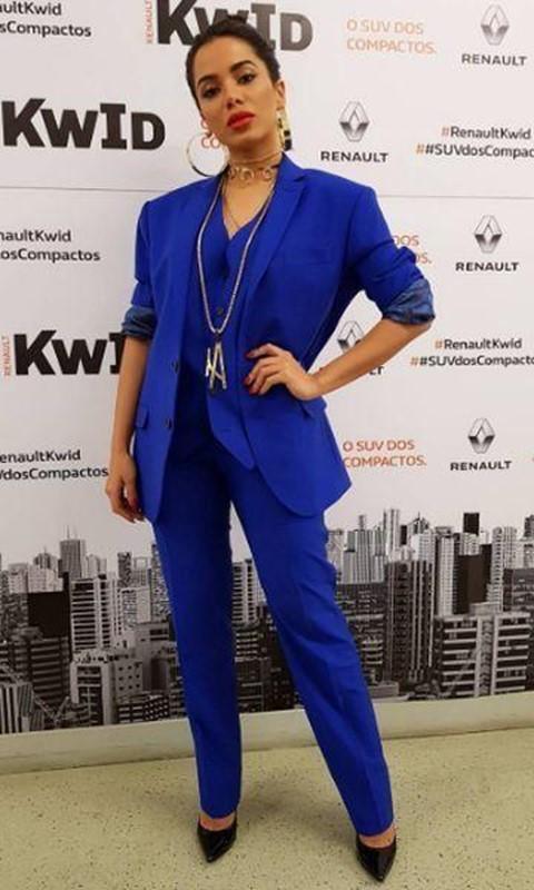 Azul royal: uma cor perfeita para usar em looks deslumbrantes